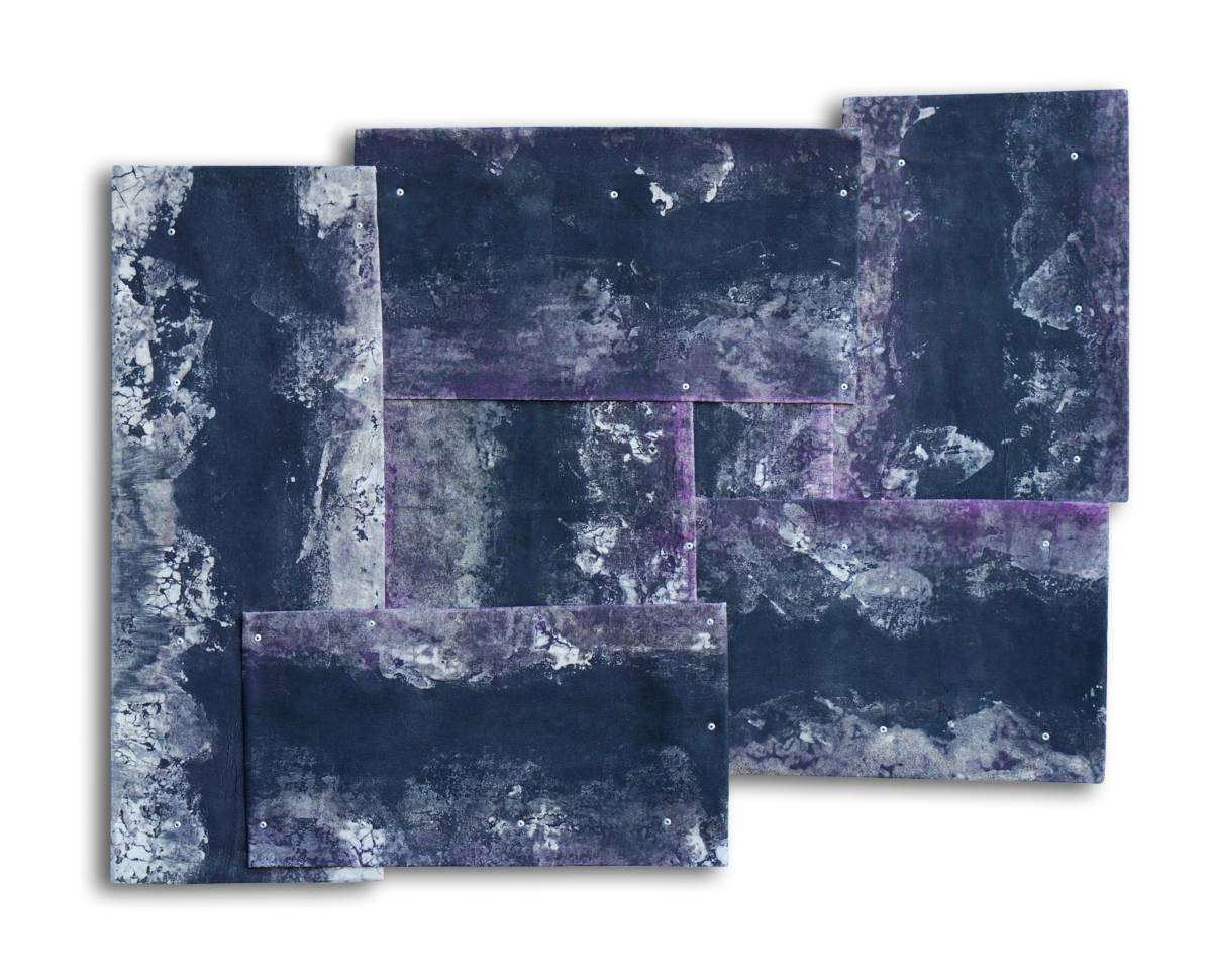 SHAPED MOMENT AND MULTIPLE SPACE - black purple II | 61 x 66 cm